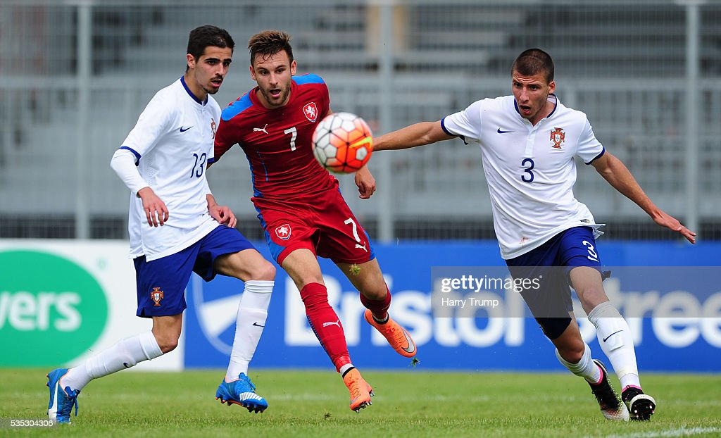Lukas Buchvaldek of Czech Republic looks to break past Ruben Dias of Portugal(R) during the Final of the Toulon Tournament between England and France at Parc Des Sports on May 29, 2016 in Avignon, France.