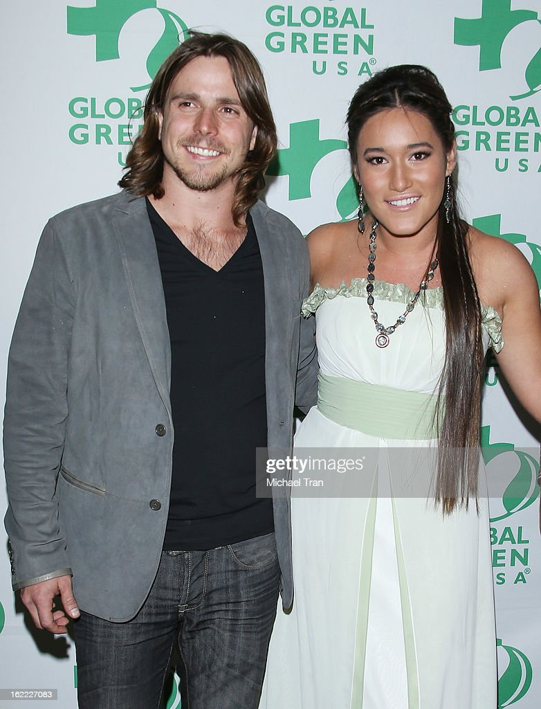 <a gi-track='captionPersonalityLinkClicked' href=/galleries/search?phrase=Lukas+Nelson&family=editorial&specificpeople=4494762 ng-click='$event.stopPropagation()'>Lukas Nelson</a> (L) and Q'orianka Kilcher arrive at the Global Green USA's 10th Annual pre-Oscar party held at Avalon on February 20, 2013 in Hollywood, California.