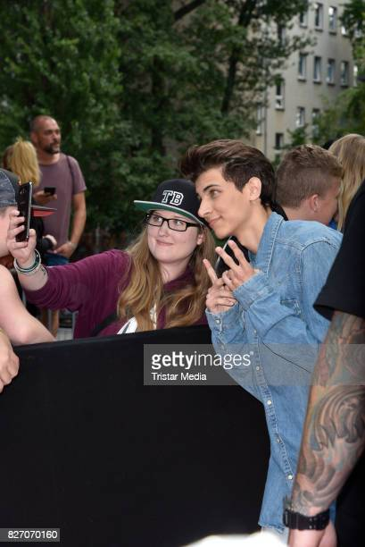 Lukas Rieger with fans during the 'Bigfoot Junior' premiere at Kino in der Kulturbrauerei on August 6 2017 in Berlin Germany