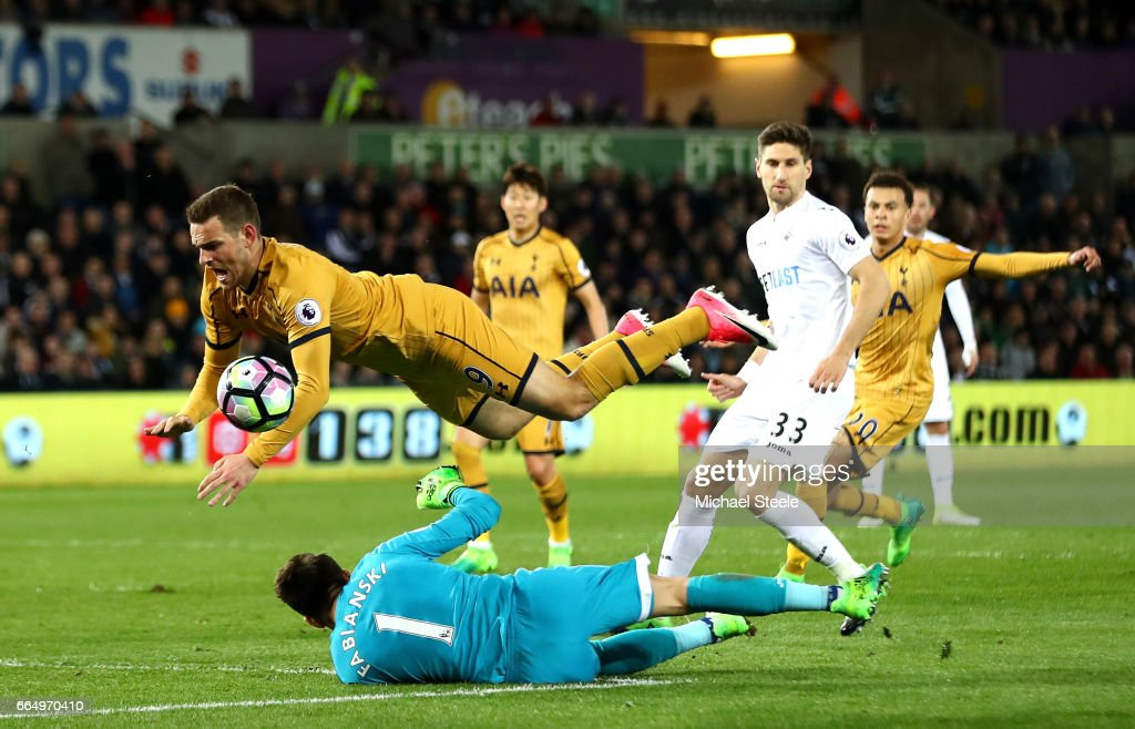 Lukasz Fabianski of Swansea City and Vincent Janssen of Tottenham Hotspur during the Premier League match between Swansea City and Tottenham Hotspur at the Liberty Stadium on April 5, 2017 in Swansea, Wales.