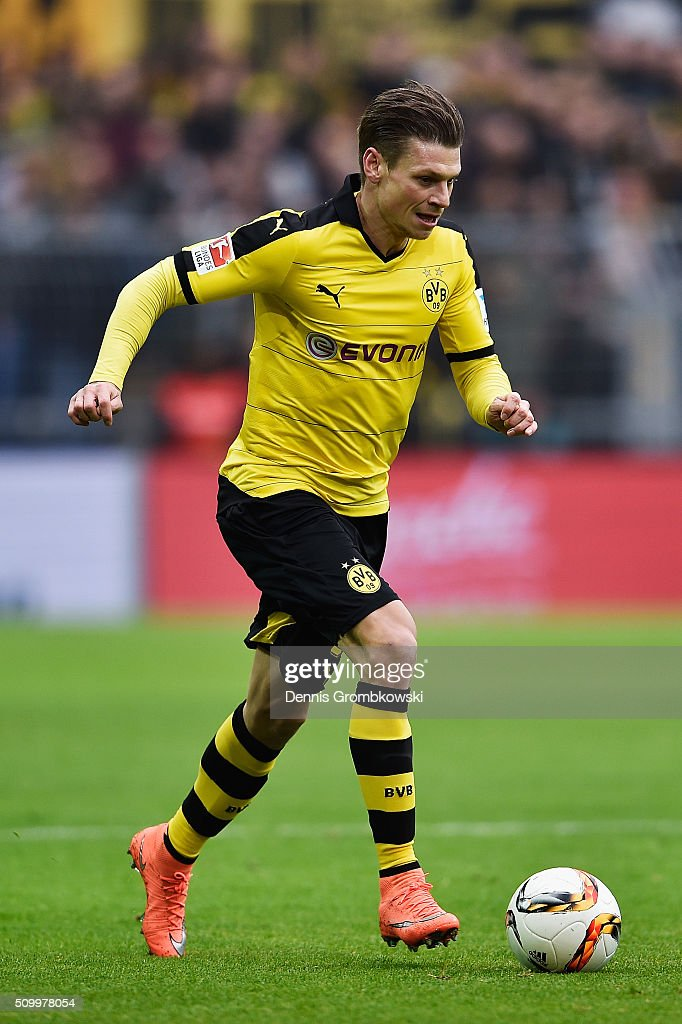 <a gi-track='captionPersonalityLinkClicked' href=/galleries/search?phrase=Lukasz+Piszczek&family=editorial&specificpeople=4380352 ng-click='$event.stopPropagation()'>Lukasz Piszczek</a> of Borussia Dortmund controls the ball during the Bundesliga match between Borussia Dortmund and Hannover 96 at Signal Iduna Park on February 13, 2016 in Dortmund, Germany.