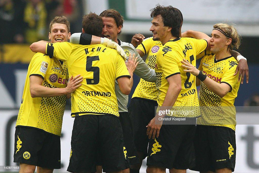 Lukasz Piszczek Sebastian Kehl Roman Weidenfeller Mats Hummels and Marcel Schmelzer of Dortmund celebrate3 the 21 victoiry after the Bundesliga match...