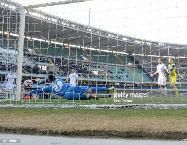 Lukasz Skorupski goalkeeper of Empoli FC saves a shot during the Serie A match between AC ChievoVerona and Empoli FC at Stadio Marc'Antonio Bentegodi...