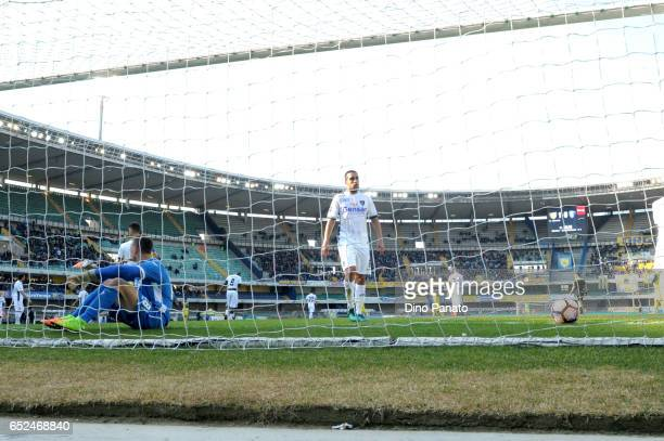 Lukasz Skorupski goalkeeper of Empoli FC shows his dejection after Pellisie's goal during the Serie A match between AC ChievoVerona and Empoli FC at...