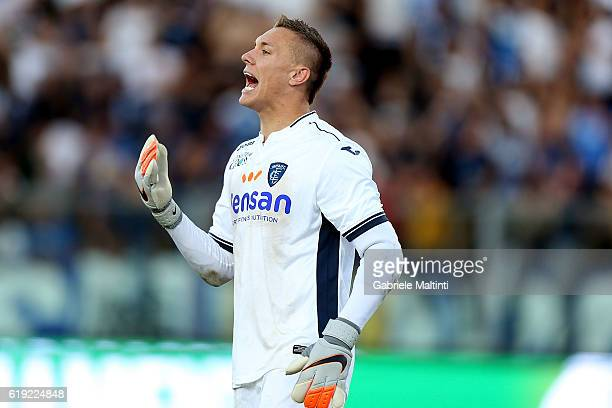 Lukasz Skorupski of Empoli Fc reacts during the Serie A match between Empoli FC and AS Roma at Stadio Carlo Castellani on October 30 2016 in Empoli...