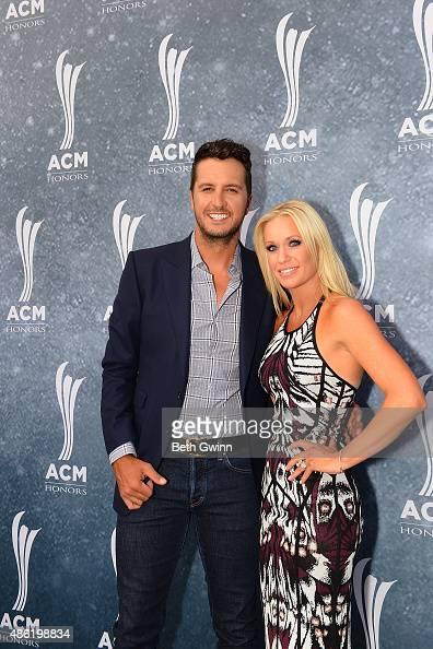 Luke Bryan Wife Acm 2015
