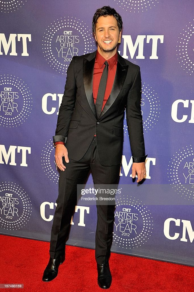 Luke Bryan arrives at the 2012 CMT Artists Of The Year at The Factory At Franklin on December 3, 2012 in Franklin, Tennessee.