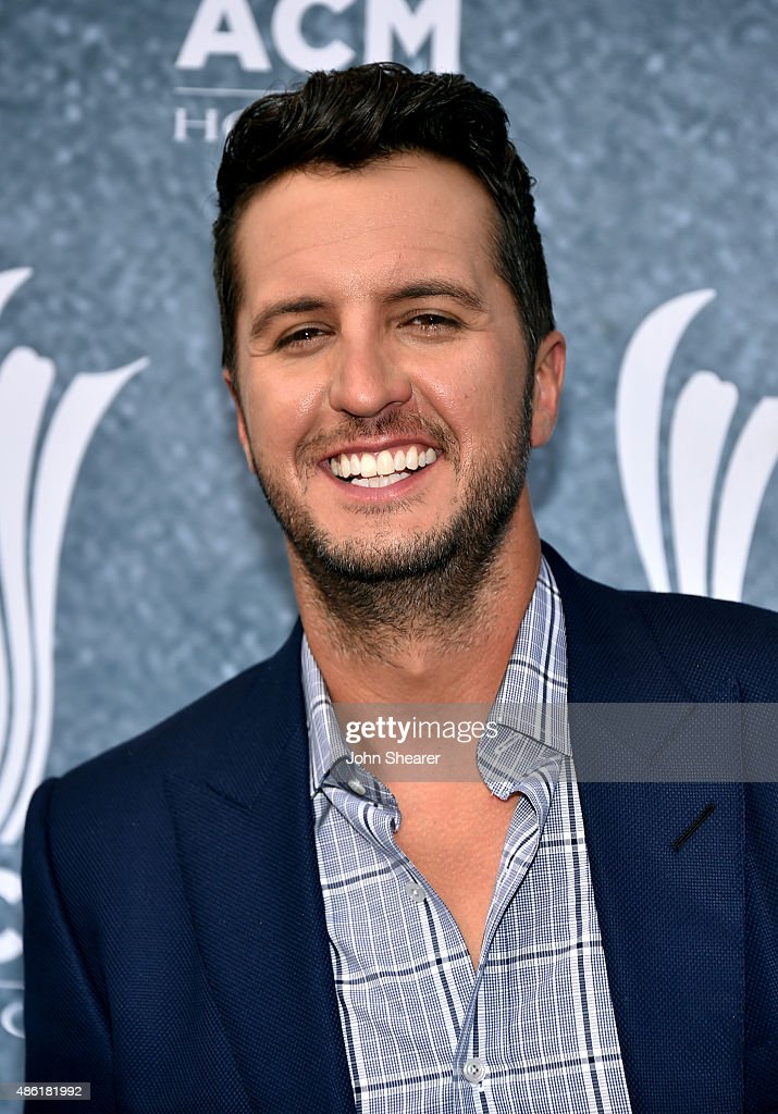 Luke Bryan attends the 9th Annual ACM Honors at the Ryman Auditorium on September 1 2015 in Nashville Tennessee