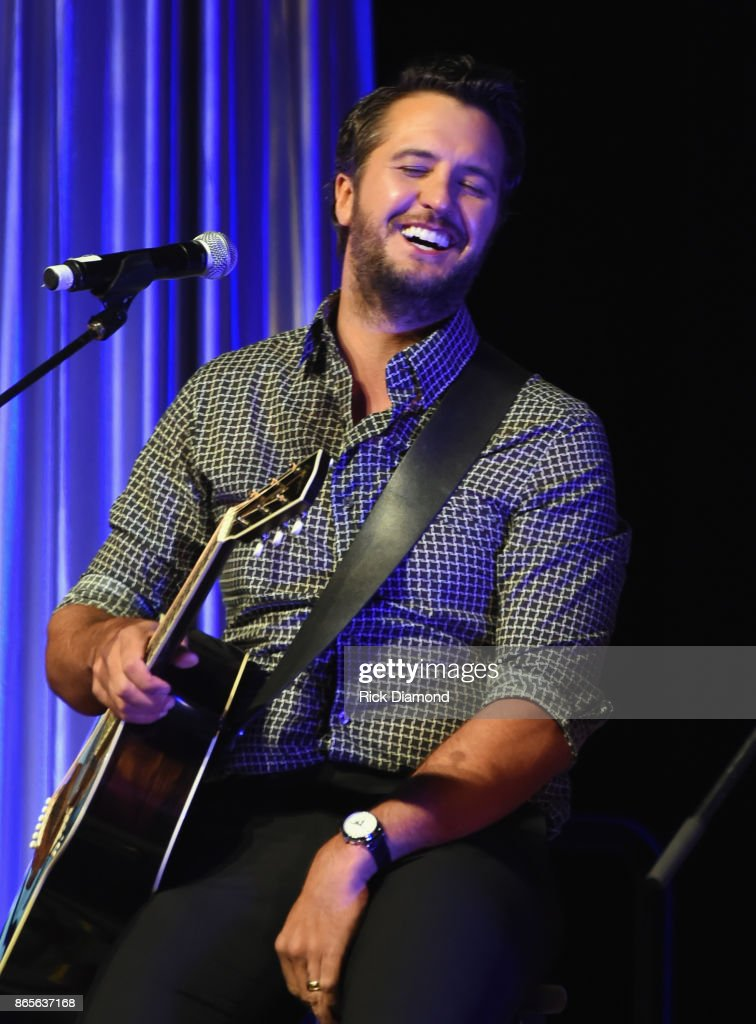 Luke Bryan performs during the 2017 Nashville Songwriters Hall Of Fame Awards at Music City Center on October 23, 2017 in Nashville, Tennessee.