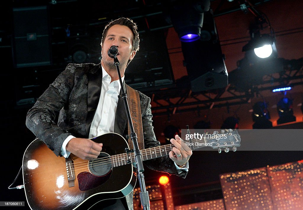 <a gi-track='captionPersonalityLinkClicked' href=/galleries/search?phrase=Luke+Bryan&family=editorial&specificpeople=4001956 ng-click='$event.stopPropagation()'>Luke Bryan</a> performs onstage during the 61st annual BMI Country Awards on November 5, 2013 in Nashville, Tennessee.