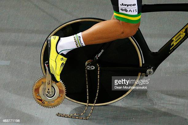 Luke Davison of Autralia rides with his pedal and crank broken from the bike as the chain drags in the Mens Team Pursuit Qualifying round during day...