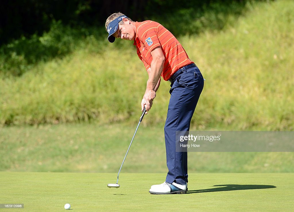 <a gi-track='captionPersonalityLinkClicked' href=/galleries/search?phrase=Luke+Donald&family=editorial&specificpeople=194977 ng-click='$event.stopPropagation()'>Luke Donald</a> of England putts on the fifth green during the second round of the Northern Trust Open at the Riviera Country Club on February 15, 2013 in Pacific Palisades, California.