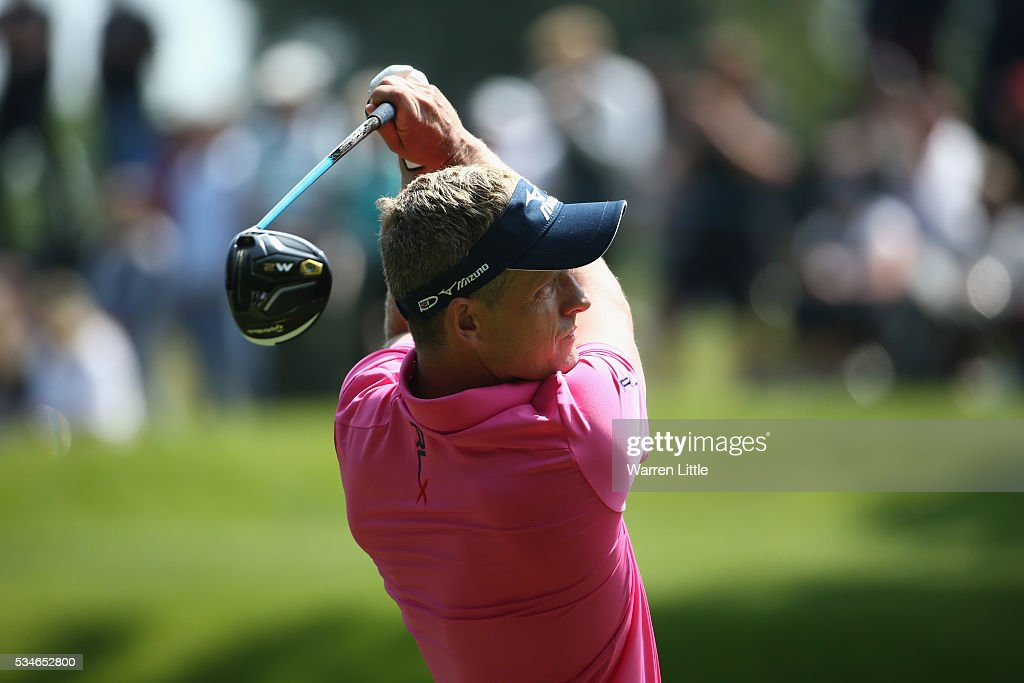 <a gi-track='captionPersonalityLinkClicked' href=/galleries/search?phrase=Luke+Donald&family=editorial&specificpeople=194977 ng-click='$event.stopPropagation()'>Luke Donald</a> of England tees off on the 3rd hole during day two of the BMW PGA Championship at Wentworth on May 27, 2016 in Virginia Water, England.