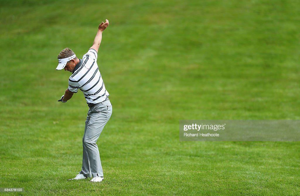 <a gi-track='captionPersonalityLinkClicked' href=/galleries/search?phrase=Luke+Donald&family=editorial&specificpeople=194977 ng-click='$event.stopPropagation()'>Luke Donald</a> of England waits to hit his 2nd shot on the 4th hole during day one of the BMW PGA Championship at Wentworth on May 26, 2016 in Virginia Water, England.