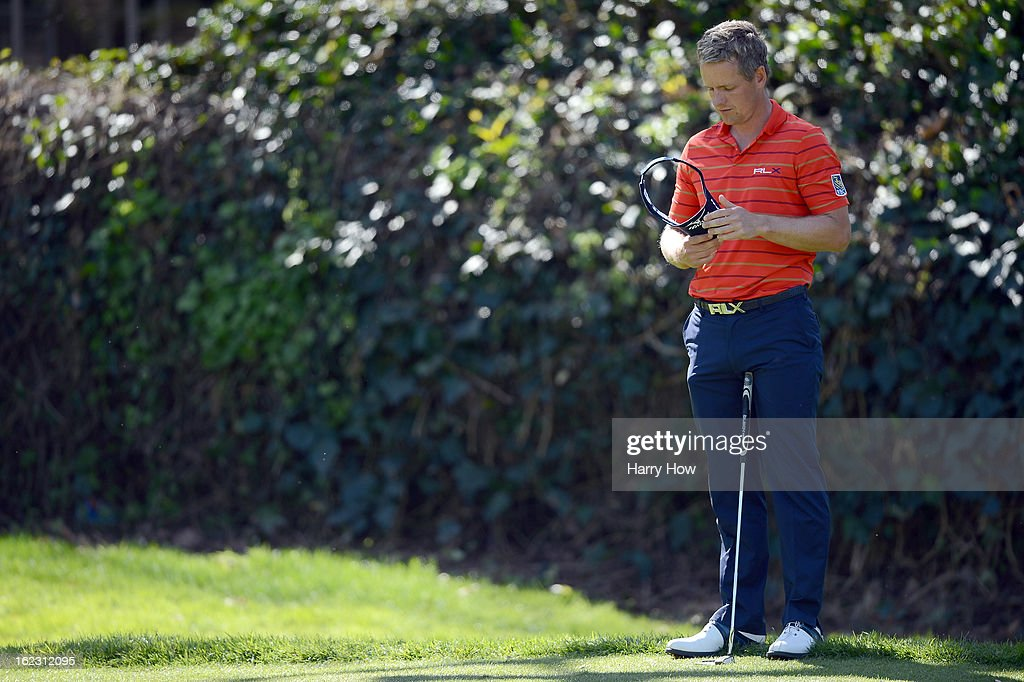 <a gi-track='captionPersonalityLinkClicked' href=/galleries/search?phrase=Luke+Donald&family=editorial&specificpeople=194977 ng-click='$event.stopPropagation()'>Luke Donald</a> of England waits to putt on the sixth green during the second round of the Northern Trust Open at the Riviera Country Club on February 15, 2013 in Pacific Palisades, California.