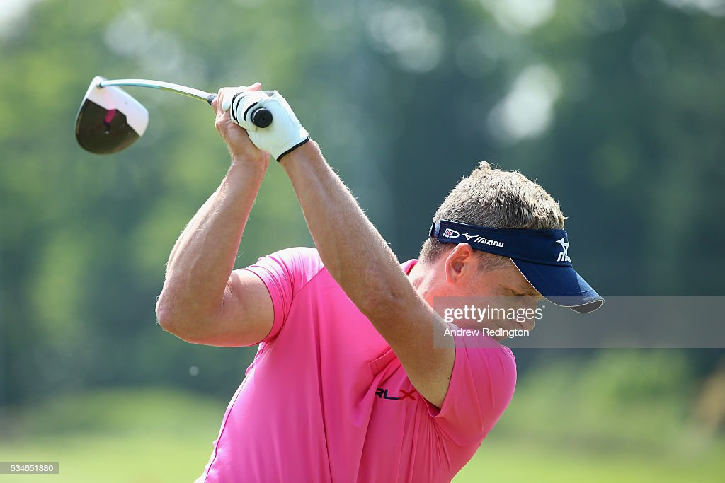 <a gi-track='captionPersonalityLinkClicked' href=/galleries/search?phrase=Luke+Donald&family=editorial&specificpeople=194977 ng-click='$event.stopPropagation()'>Luke Donald</a> of England warms up on the range during day two of the BMW PGA Championship at Wentworth on May 27, 2016 in Virginia Water, England.