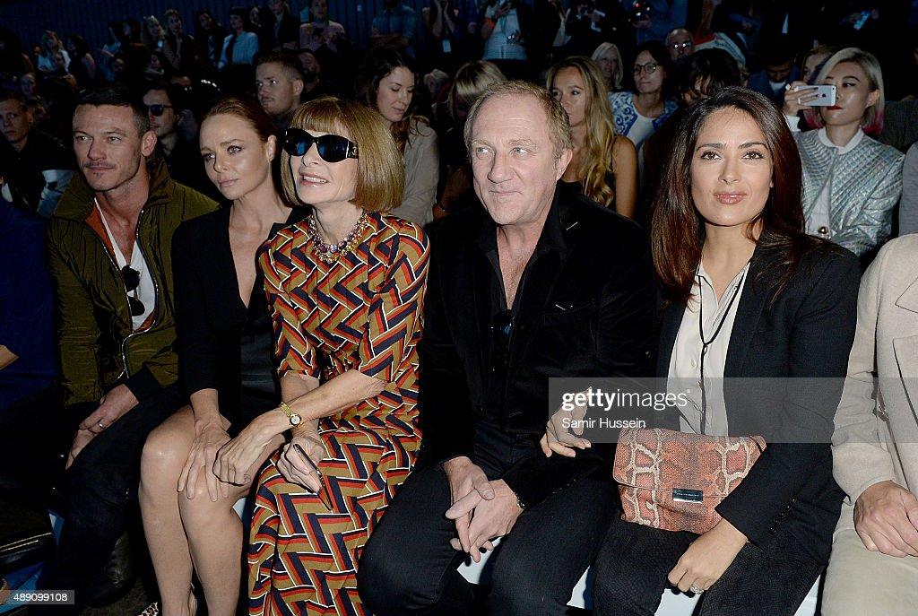 Luke Evans, Stella McCartney, Anna Wintour, Francois-Henri Pinault and Salma Hayek attend the Hunter show during London Fashion Week Spring/Summer 2016/17 on September 19, 2015 in London, England.