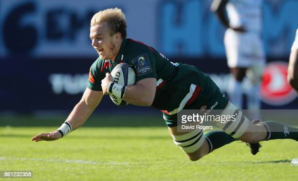 Luke Hamilton of Leiester scores the first try during the European Rugby Champions Cup match between Racing 92 and Leicester Tigers at Stade...