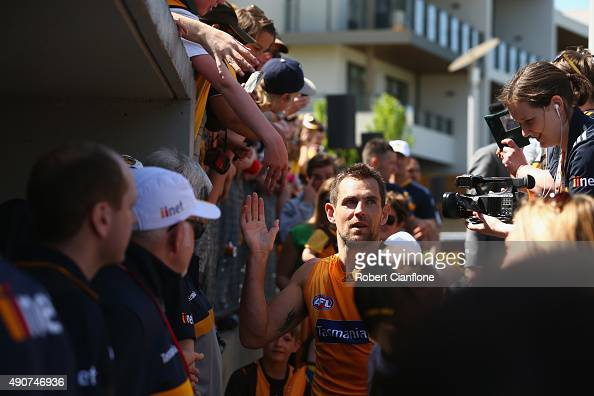 Luke Hodge of the Hawks acknowledges fans after a Hawthorn Hawks AFL training session at Waverley Park on October 1 2015 in Melbourne Australia