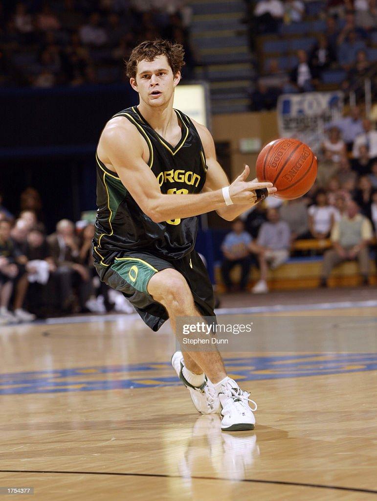 Oregon v UCLA s and