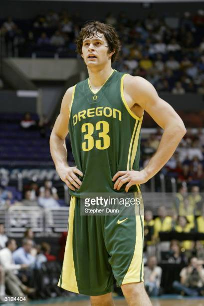 Luke Jackson of the Oregon Ducks during the game against the California Golden Bears in the quarterfinals of the 2004 Pacific Life Pac10 Tournament...