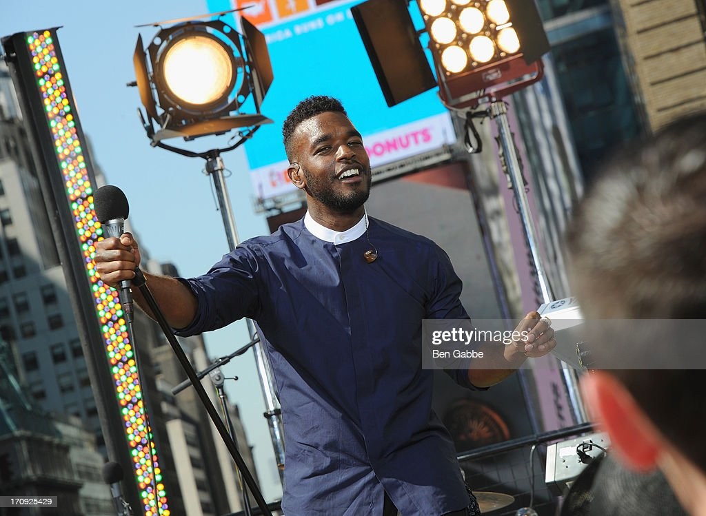 Luke James performs during the MTV, VH1, CMT & LOGO 2013 O Music Awards on June 20, 2013 in New York City.