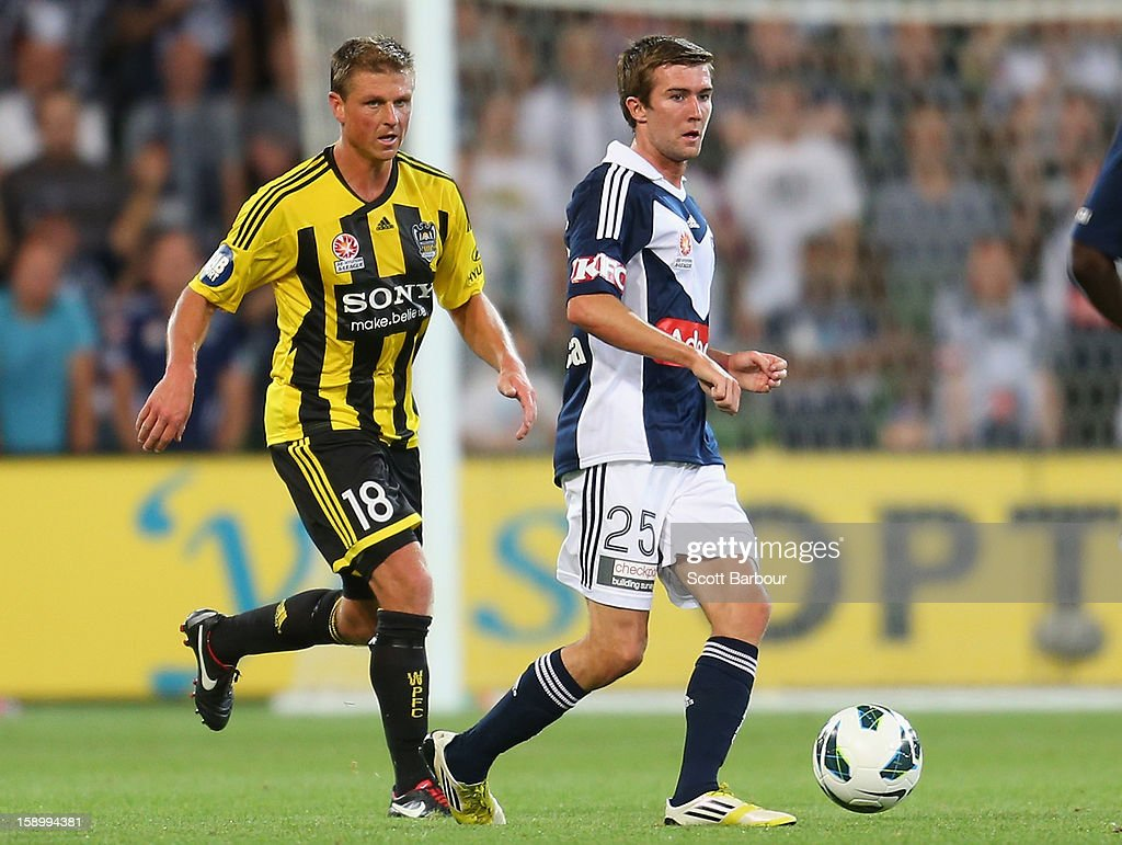 Luke O'Dea of the Victory passes the ball during the round 15 A-League match between the Melbourne Victory and Wellington Phoenix at AAMI Park on January 5, 2013 in Melbourne, Australia.