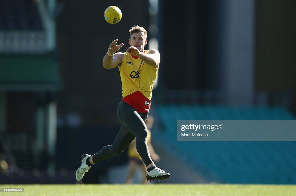 Luke Parker of the Swans in action during a Sydney Swans AFL training session at Sydney Cricket Ground on June 26, 2017 in Sydney, Australia.