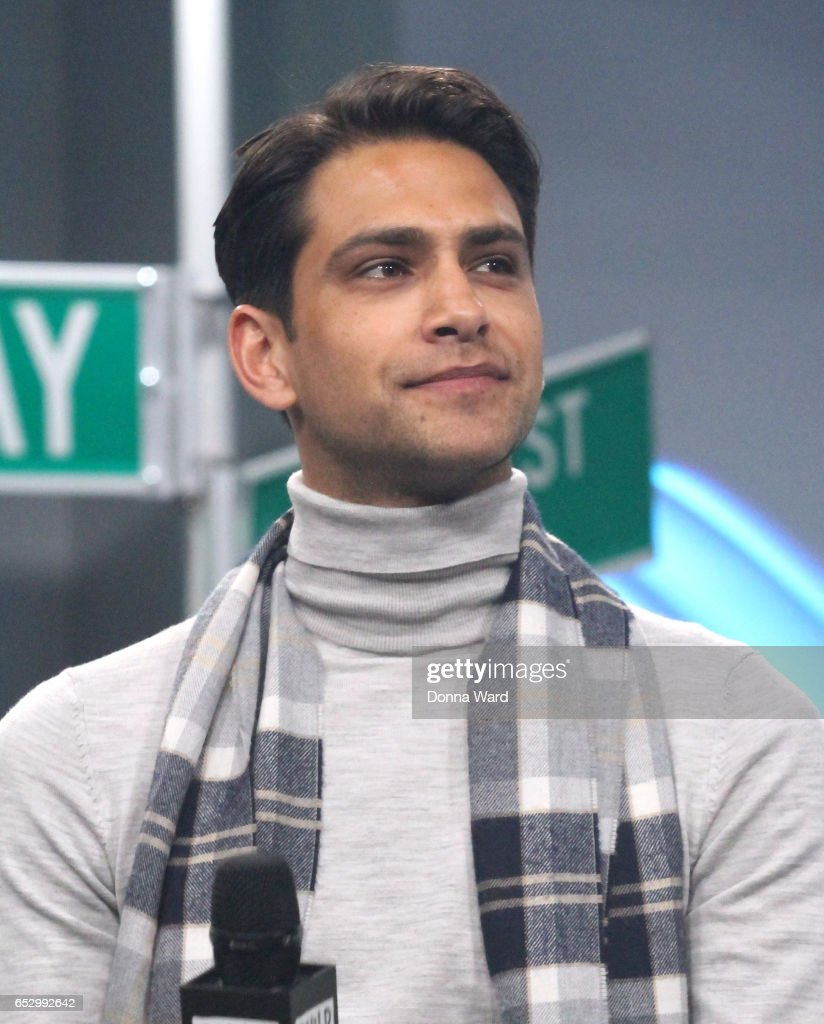 Luke Pasqualino appears to promote 'Snatch' during the BUILD Series at Build Studio on March 13, 2017 in New York City.