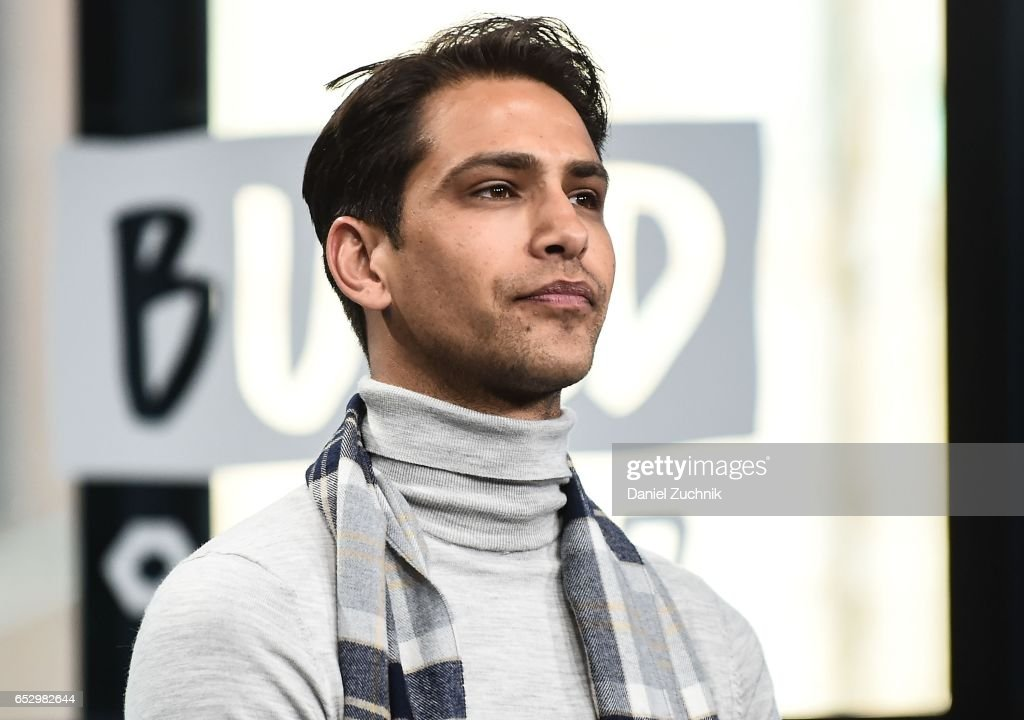 Luke Pasqualino attends the Build Series to discuss the new show 'Snatch' at Build Studio on March 13, 2017 in New York City.