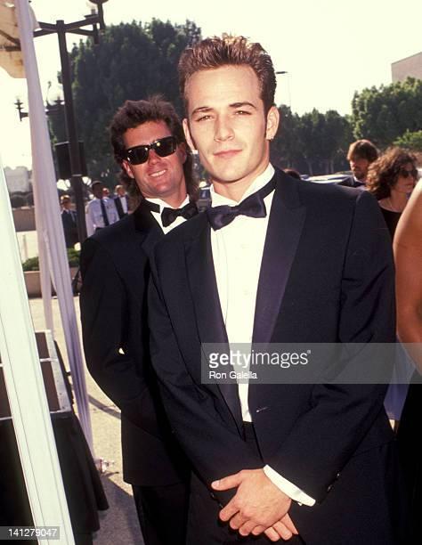 Luke Perry at the 43rd Annual Primetime Emmy Awards Pasadena Civic Auditorium Pasadena