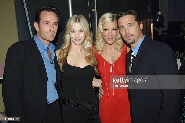 Luke Perry Jennie Garth Tori Spelling and Jason Priestley