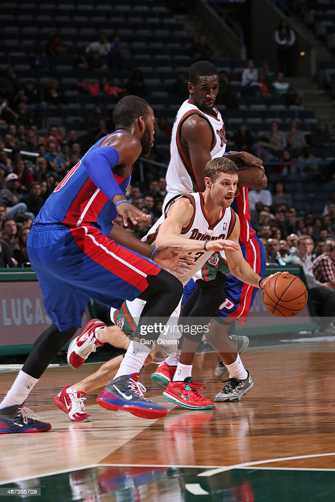 <a gi-track='captionPersonalityLinkClicked' href=/galleries/search?phrase=Luke+Ridnour&family=editorial&specificpeople=201824 ng-click='$event.stopPropagation()'>Luke Ridnour</a> #13 of the Milwaukee Bucks handles the ball against the Detroit Pistons on December 4, 2013 at the BMO Harris Bradley Center in Milwaukee, Wisconsin.