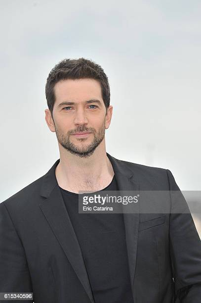 Luke Roberts attends the Ransom photocall during MIPCOM 2016 at Palais des Festivals on October 17 2016 in Cannes France