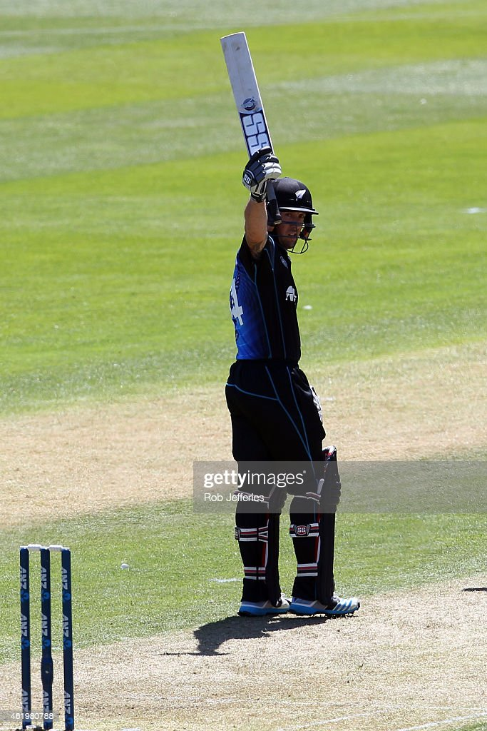 Luke Ronchi of New Zealand acknowledges the crowd after scoring 50 runs during the One Day International match between New Zealand and Sri Lanka at...