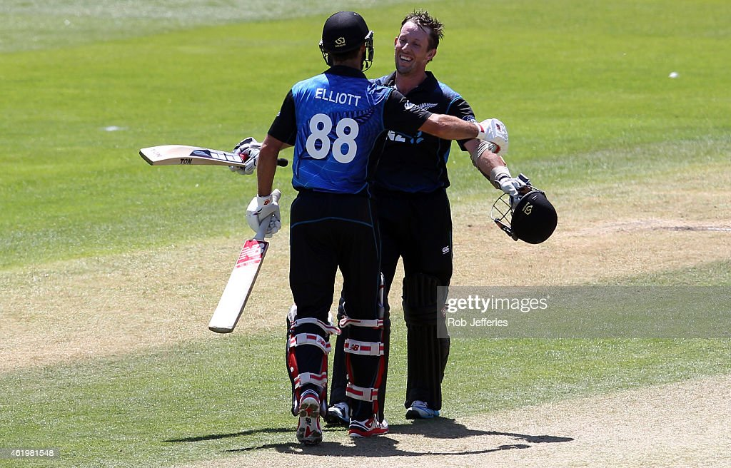 <a gi-track='captionPersonalityLinkClicked' href=/galleries/search?phrase=Luke+Ronchi&family=editorial&specificpeople=724790 ng-click='$event.stopPropagation()'>Luke Ronchi</a> of New Zealand is congratulated by <a gi-track='captionPersonalityLinkClicked' href=/galleries/search?phrase=Grant+Elliott&family=editorial&specificpeople=708027 ng-click='$event.stopPropagation()'>Grant Elliott</a> after scoring 100 runs during the One Day International match between New Zealand and Sri Lanka at University Oval on January 23, 2015 in Dunedin, New Zealand.