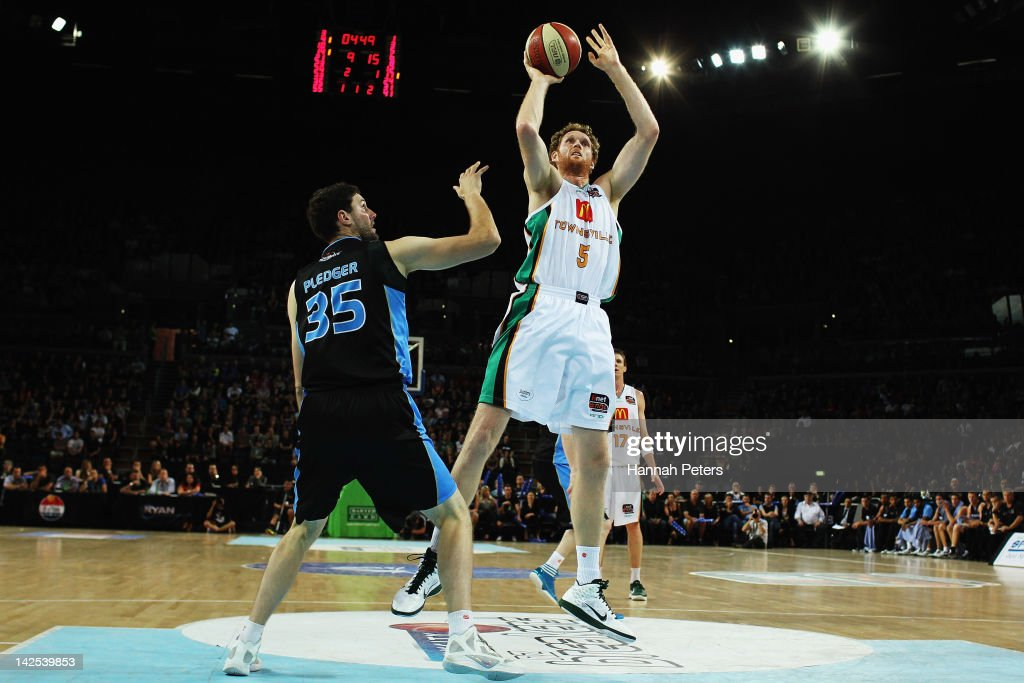 Luke Schenscher of the Crocodiles shoots during game three of the NBL Finals series between the Townsville Crocodiles and the New Zealand Breakers at...