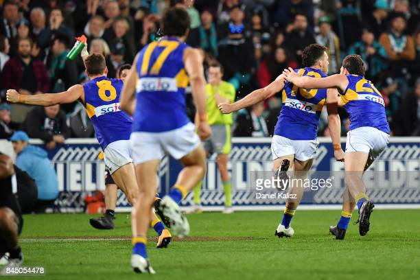 Luke Shuey of the Eagles celebrates with Jeremy McGovern of the Eagles after kicking the winning goal during the AFL First Elimination Final match...