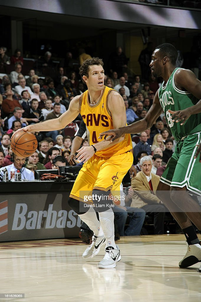 <a gi-track='captionPersonalityLinkClicked' href=/galleries/search?phrase=Luke+Walton+-+Basketball+Player&family=editorial&specificpeople=202565 ng-click='$event.stopPropagation()'>Luke Walton</a> #4 of the Cleveland Cavaliers looks to drive to the basket against the Boston Celtics at The Quicken Loans Arena on January 22, 2013 in Cleveland, Ohio.