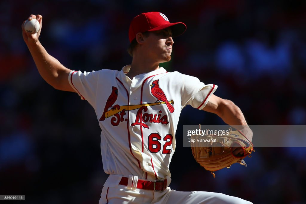 Luke Weaver #62 of the St. Louis Cardinals delivers a pitch against the Milwaukee Brewers in the second inning at Busch Stadium on September 30, 2017 in St. Louis, Missouri.