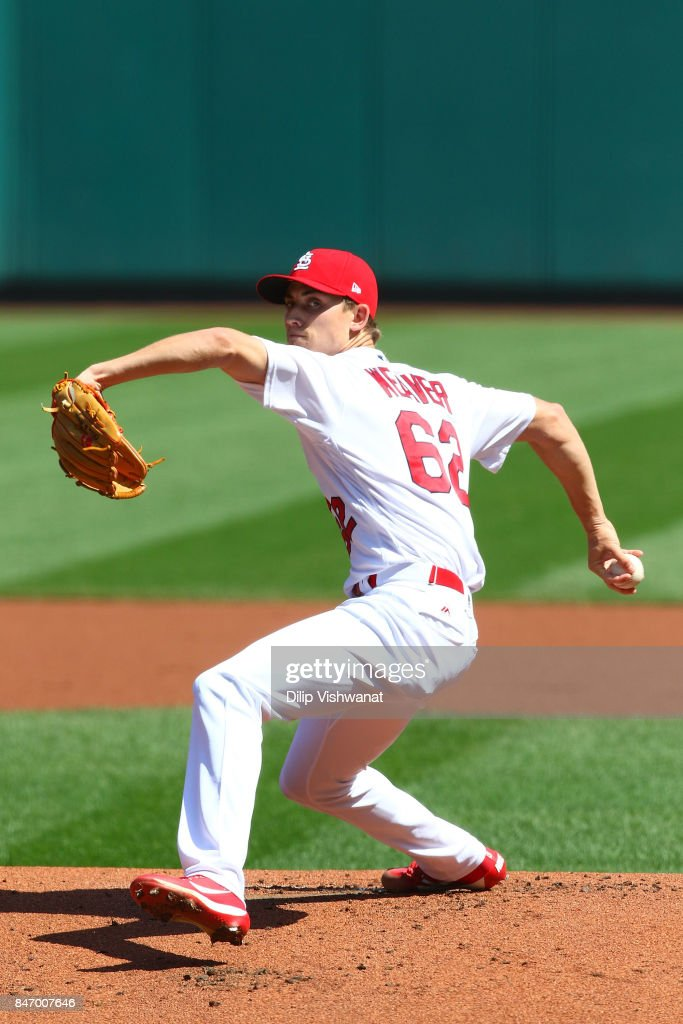 Luke Weaver #62 of the St. Louis Cardinals pitches against the Cincinnati Reds in the first inning at Busch Stadium on September 14, 2017 in St. Louis, Missouri.