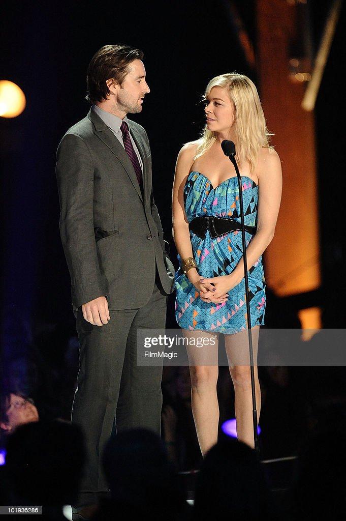 Luke Wilson and LeAnn Rimes speak at the 2010 CMT Music Awards at the Bridgestone Arena on June 9 2010 in Nashville Tennessee