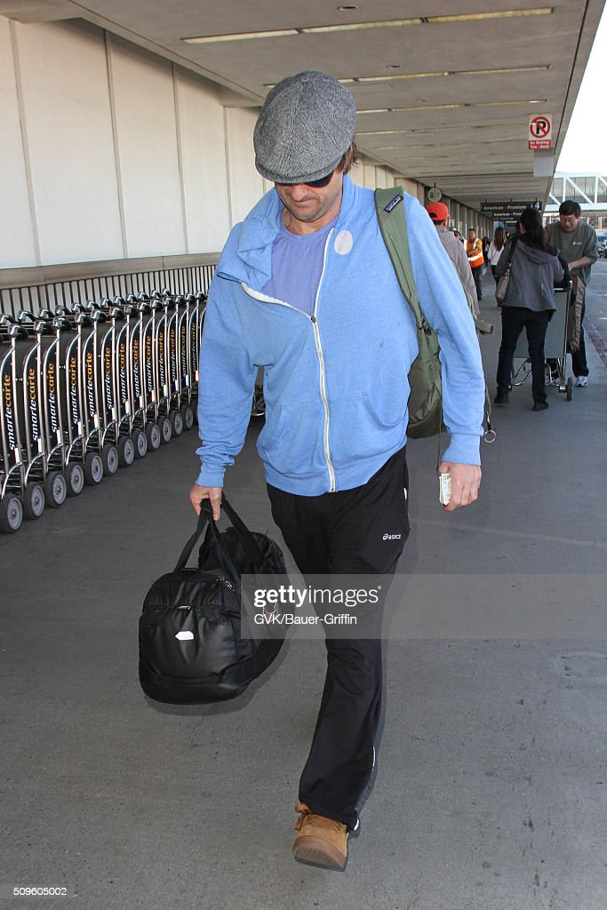 <a gi-track='captionPersonalityLinkClicked' href=/galleries/search?phrase=Luke+Wilson+-+Actor&family=editorial&specificpeople=210582 ng-click='$event.stopPropagation()'>Luke Wilson</a> is seen at LAX on February 11, 2016 in Los Angeles, California.