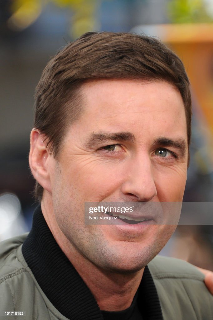 <a gi-track='captionPersonalityLinkClicked' href=/galleries/search?phrase=Luke+Wilson&family=editorial&specificpeople=210582 ng-click='$event.stopPropagation()'>Luke Wilson</a> visit Extra at The Grove on February 14, 2013 in Los Angeles, California.