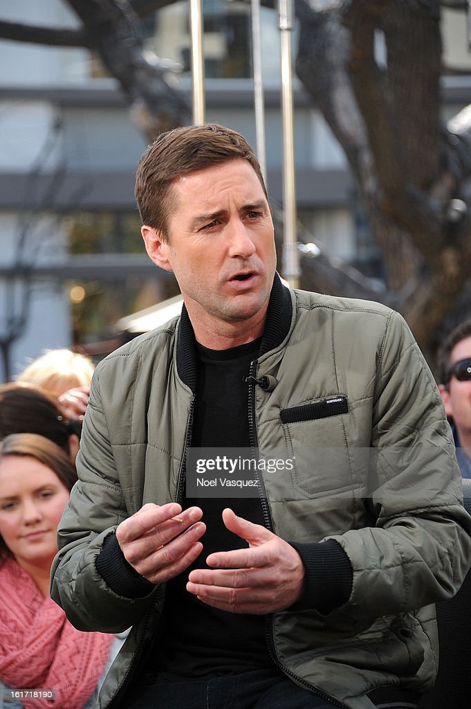 <a gi-track='captionPersonalityLinkClicked' href=/galleries/search?phrase=Luke+Wilson+-+Actor&family=editorial&specificpeople=210582 ng-click='$event.stopPropagation()'>Luke Wilson</a> visit Extra at The Grove on February 14, 2013 in Los Angeles, California.