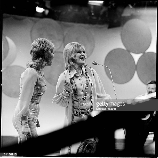 Lulu and Dusty Springfield performing on Lulu's BBC TV show 'It's Lulu' London September 1970