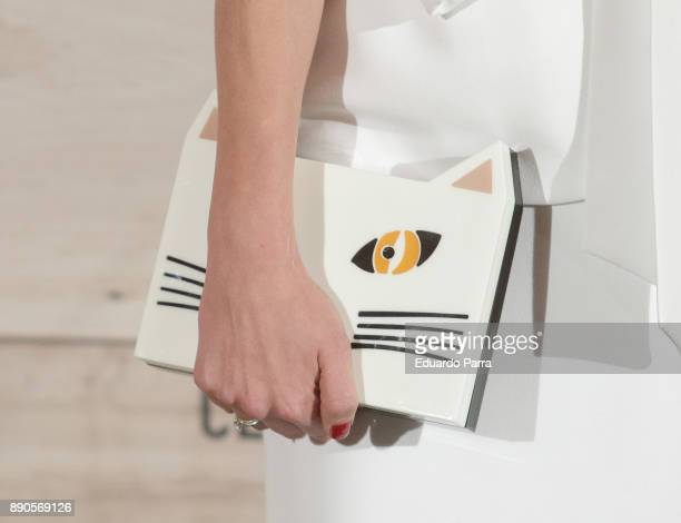 Lulu Figueroa handbag detail attends the 'Conde Nast Traveler Gastronomic and Wine Guide' photocall at Florida Retiro on December 11 2017 in Madrid...