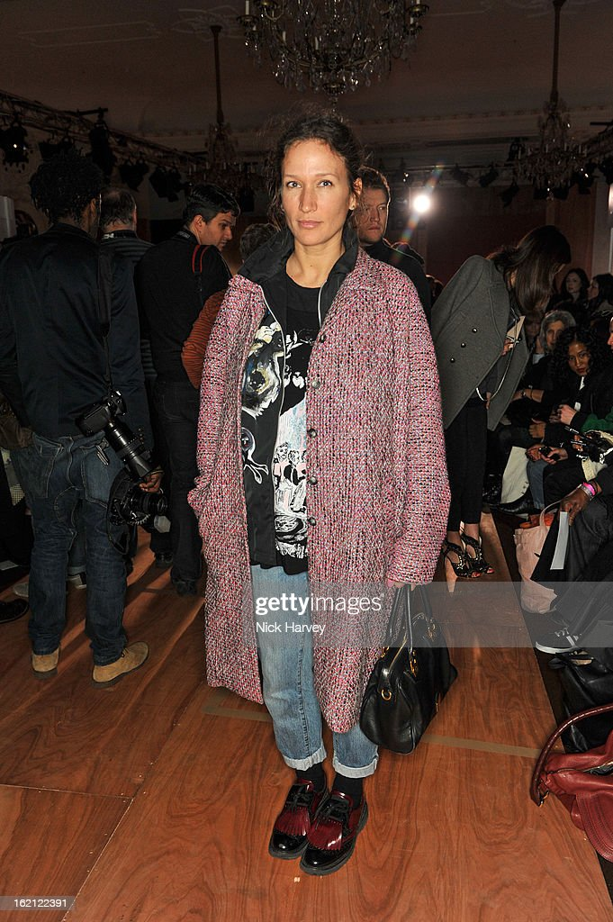 <a gi-track='captionPersonalityLinkClicked' href=/galleries/search?phrase=Lulu+Kennedy&family=editorial&specificpeople=4537851 ng-click='$event.stopPropagation()'>Lulu Kennedy</a> attends the Roksanda Ilincic show during London Fashion Week Fall/Winter 2013/14 at on February 19, 2013 in London, England.
