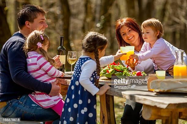 Mittagessen im Freien
