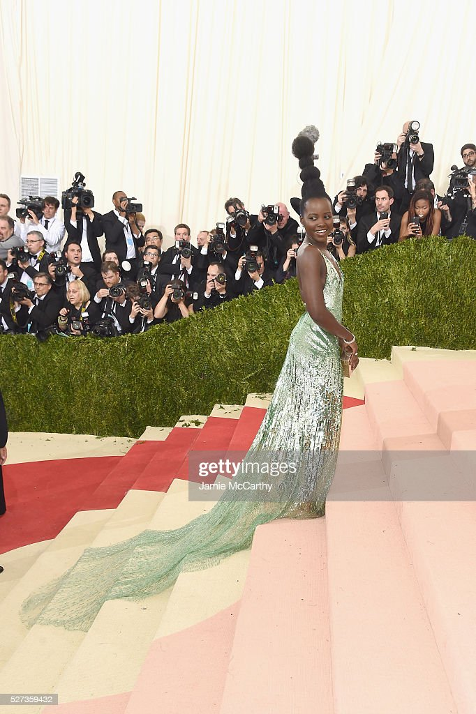 Lupita Nyong'o attends the 'Manus x Machina: Fashion In An Age Of Technology' Costume Institute Gala at Metropolitan Museum of Art on May 2, 2016 in New York City.